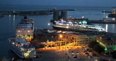 España: Puerto de Málaga recibe un 15% más de pasajeros durante la OPE