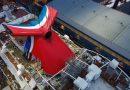 Crucero Mardi Gras recibe tradicional funnel con los colores de Carnival Cruise